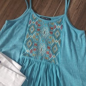 Cable and Gauge top w/ beautiful embroidery